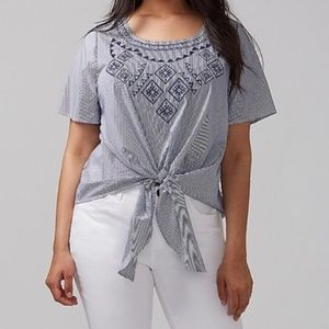 Lane Bryant 18/20 Blue & white embroidered top